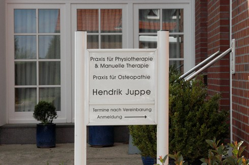Eingang Physiotherapie Juppe